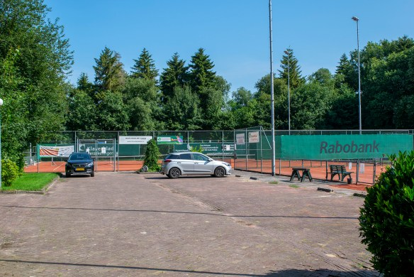 155d_Tennisbaan