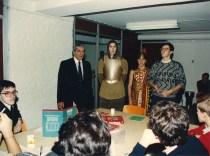 Manuel Ferreira (de pé, esq.), administrador da SocTip, e José Hartvig de Freitas (de pé, dir.), tradutor e editor da edição portuguesa de D&D. Cavaleiro medieval e legionário romano (de pé, centro).
