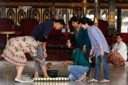 Gladi Resik Pernikahan Nurastuti Wijareni dan Achmad Ubaidillah 11
