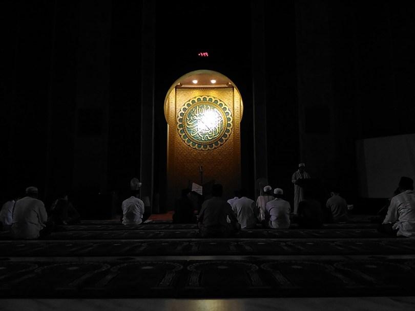 tahajjud mimbar masjid al-akbar