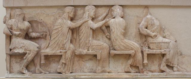 Fragment fryzu przedstawiającego zgromadzenie bogów przyglądających się walkom pod Troją.