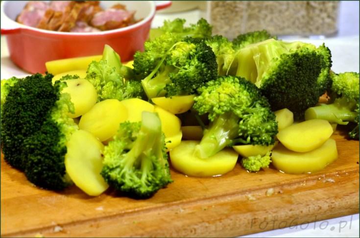 Sparzone brokuly i ziemniaki