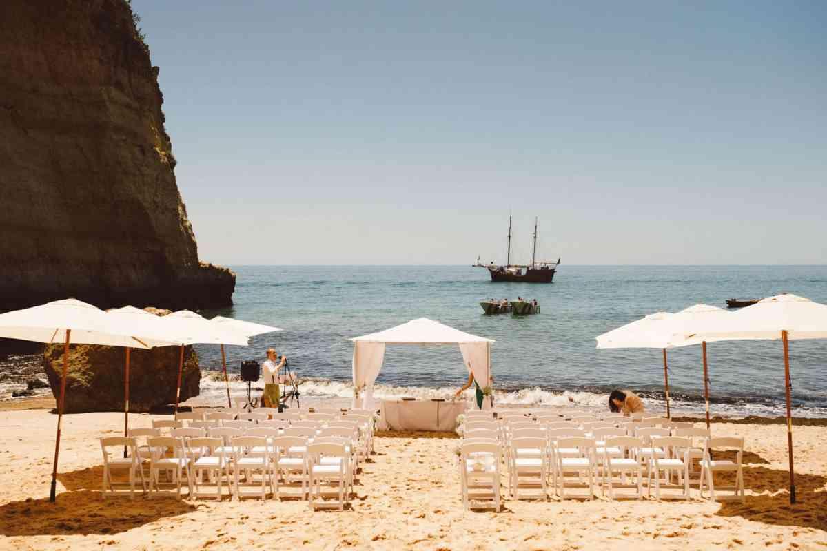 Secret beach wedding Portugal