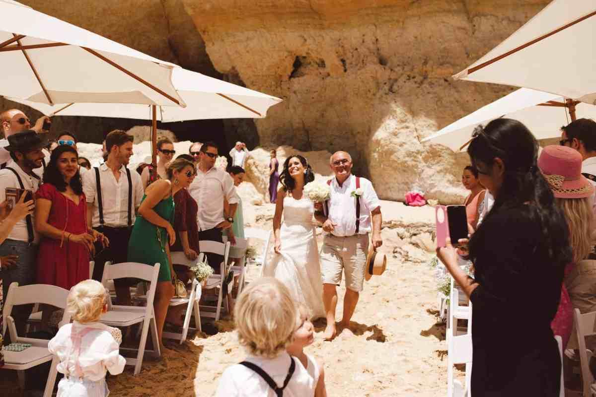 Secret beach wedding Portugal 037
