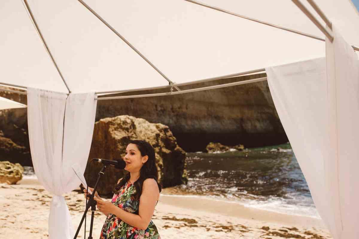Secret beach wedding Portugal 042