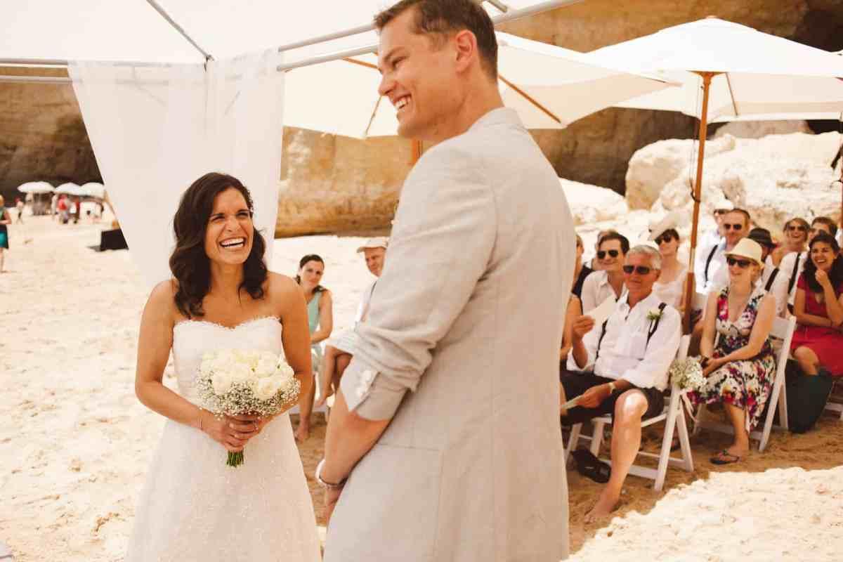 Secret beach wedding Portugal 043