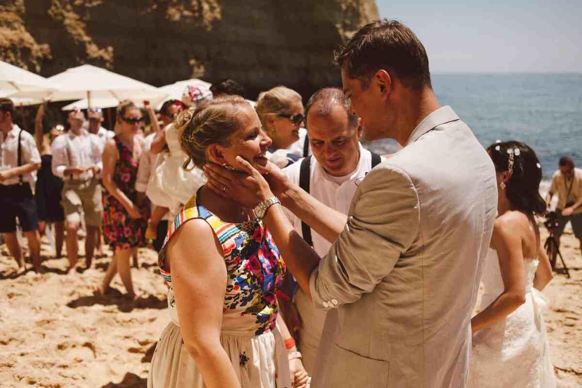 Secret beach wedding Portugal 055