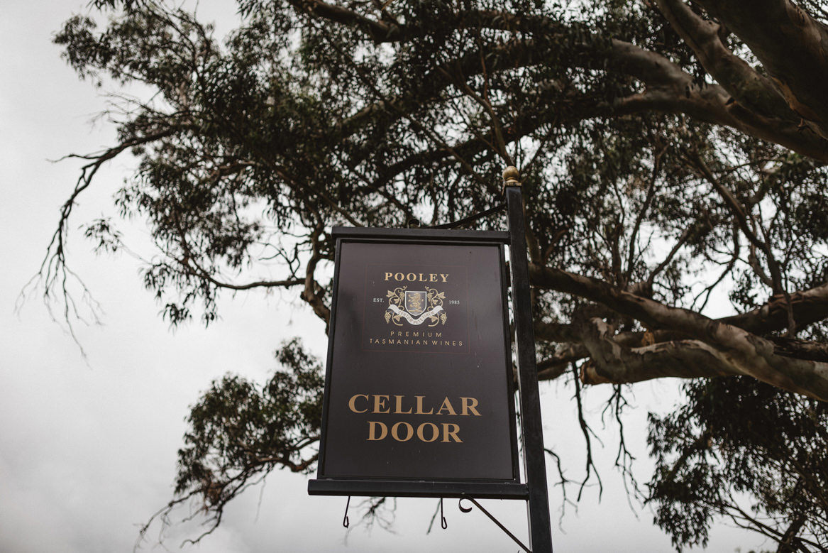 tasmania wedding photographer pooley wines venue