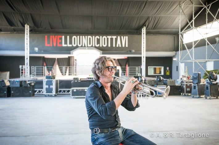 """Il musicista e produttore Cesare dell'Anna nel Laboratorio Urbano """"Livello 11/8"""" a Trepuzzi (LE). Réportage realizzato per la Regione Puglia (Iniziativa denominata Bollenti Spiriti) nell'Autunno 2014."""