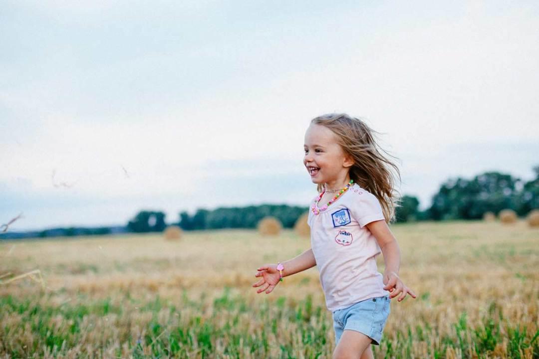 Børn synes det er sjovt at blive fotograferet