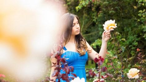 sesion-pre-quince-años-jardin-botanico-flores-aire-libre-vestido-azul