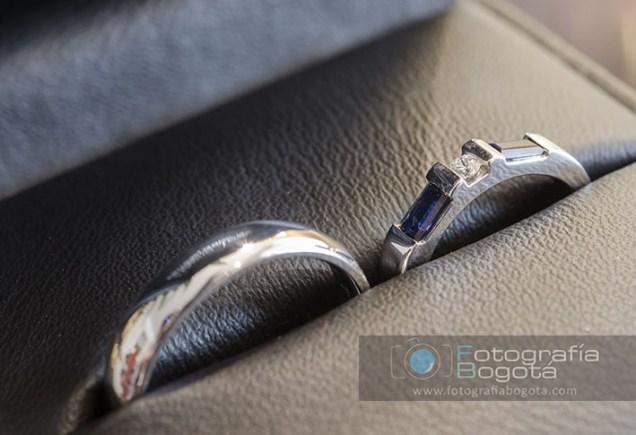 anillos-de-bodas-matrimonio-zafiros-azul-y-diamantes