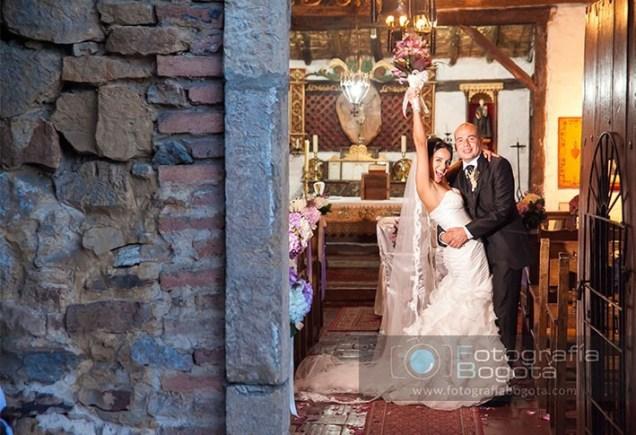 fotografia-de-bodas-y-matrimonio-hotel-punta-larga-iglesia-romantica
