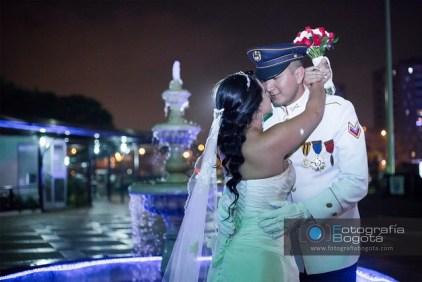fotografias de bodas de las fuerzas armadas matrimonio del ejercito policia bodas fotos de noche bodas
