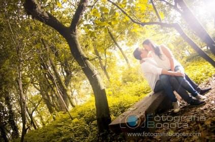 fotos-de-parejas-fotografias-de-novios-fotografias-de-preboda-fotografias-romanticas-lindas-bogota