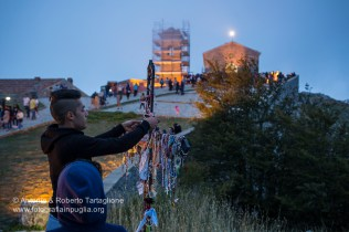 l'arrivo dei pellegrini al tramonto del sabato che precede la processione.