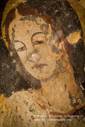 La Chiesa rupestre di San Nicola all'Ofra. Gli affreschi sono ottocenteschi