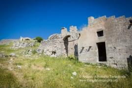 Casale di Savorra sulle colline materane