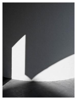 Light & Shadow,2011.72x600