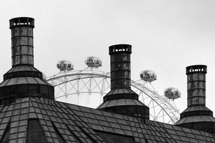 a glimpse of the London Eye