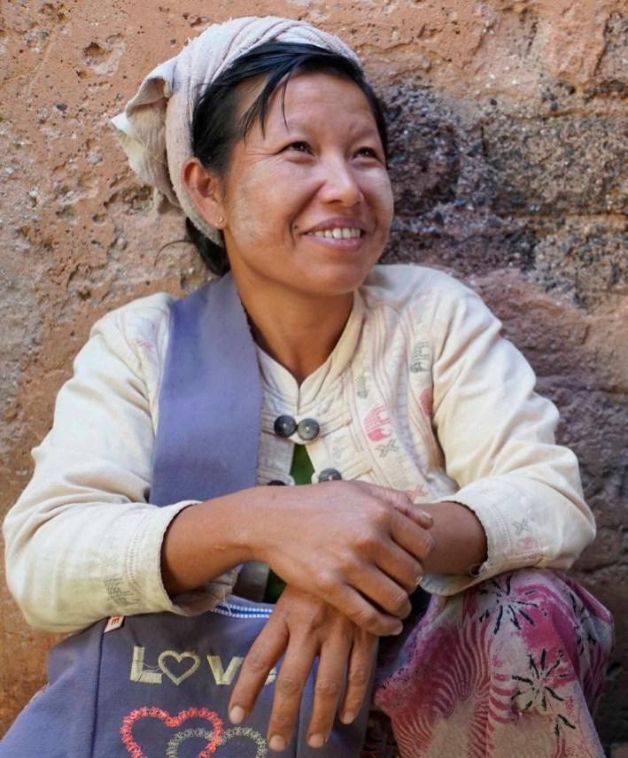 (03) Marktfrau in Myanmar