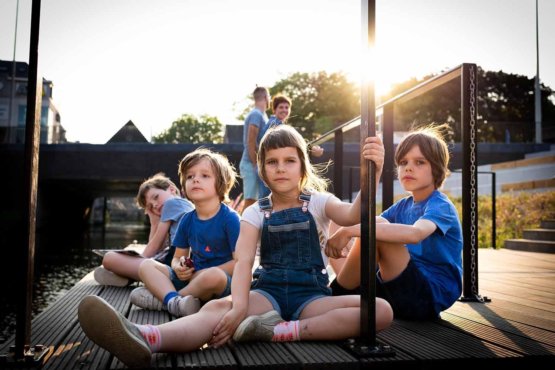 portret familie kinderen stad