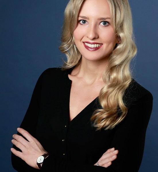 Businessportrait einer Frau, Muenchen, Fotograf E. Wagner