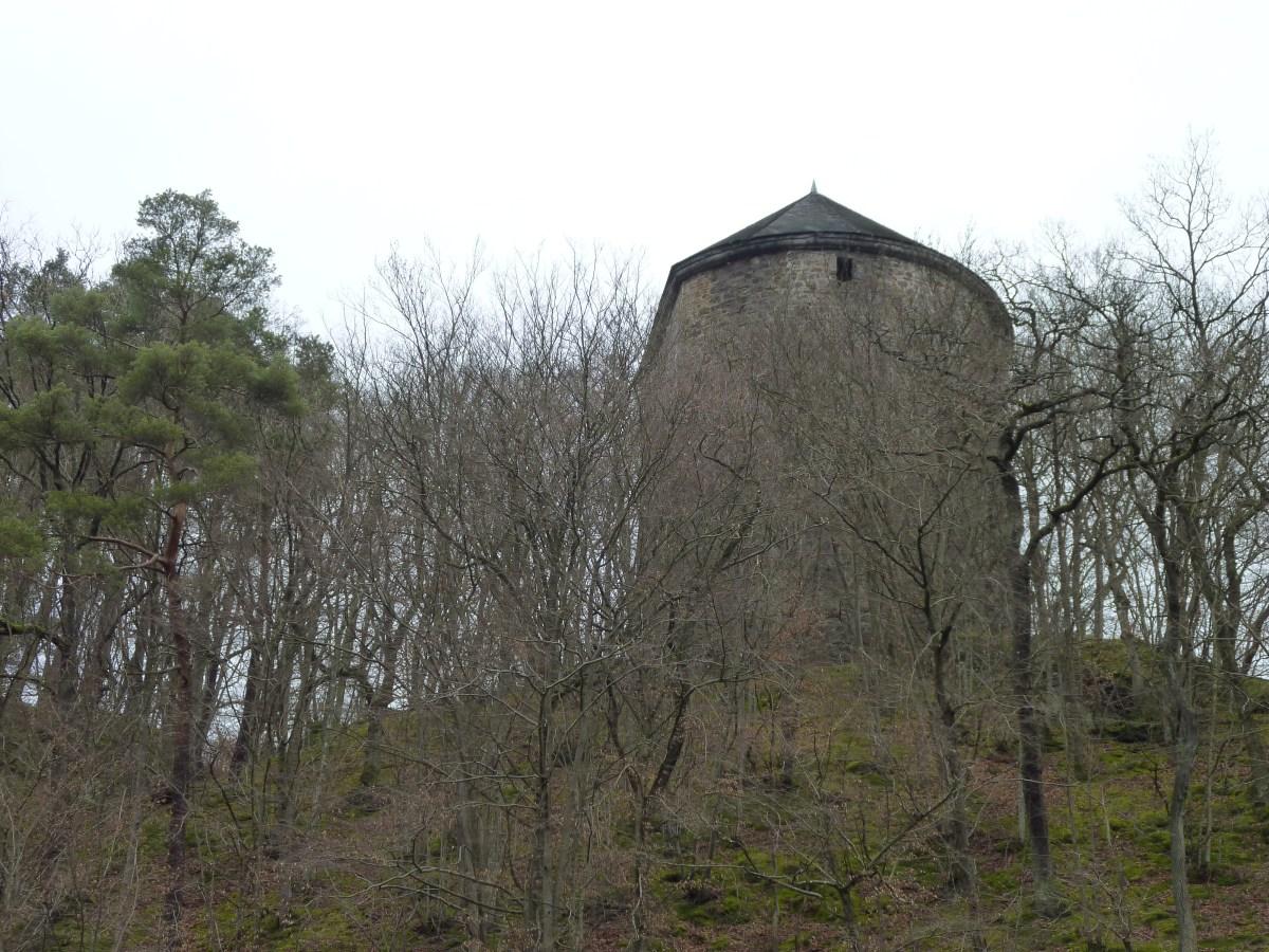 Burgruine Ehrenstein und das Klöster mit Pfarrhaus