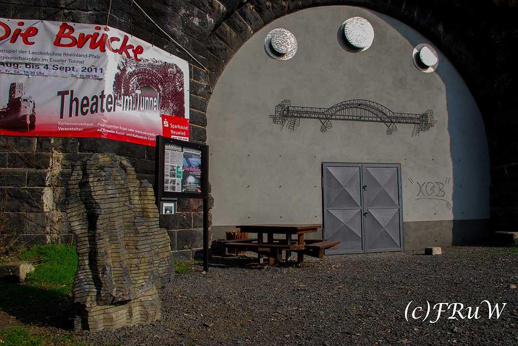Theater im Tunnel -Siebengebirge und Rheinsteig wandern