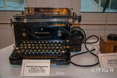 Schreibmaschine Mercedes im Museum Heimbach