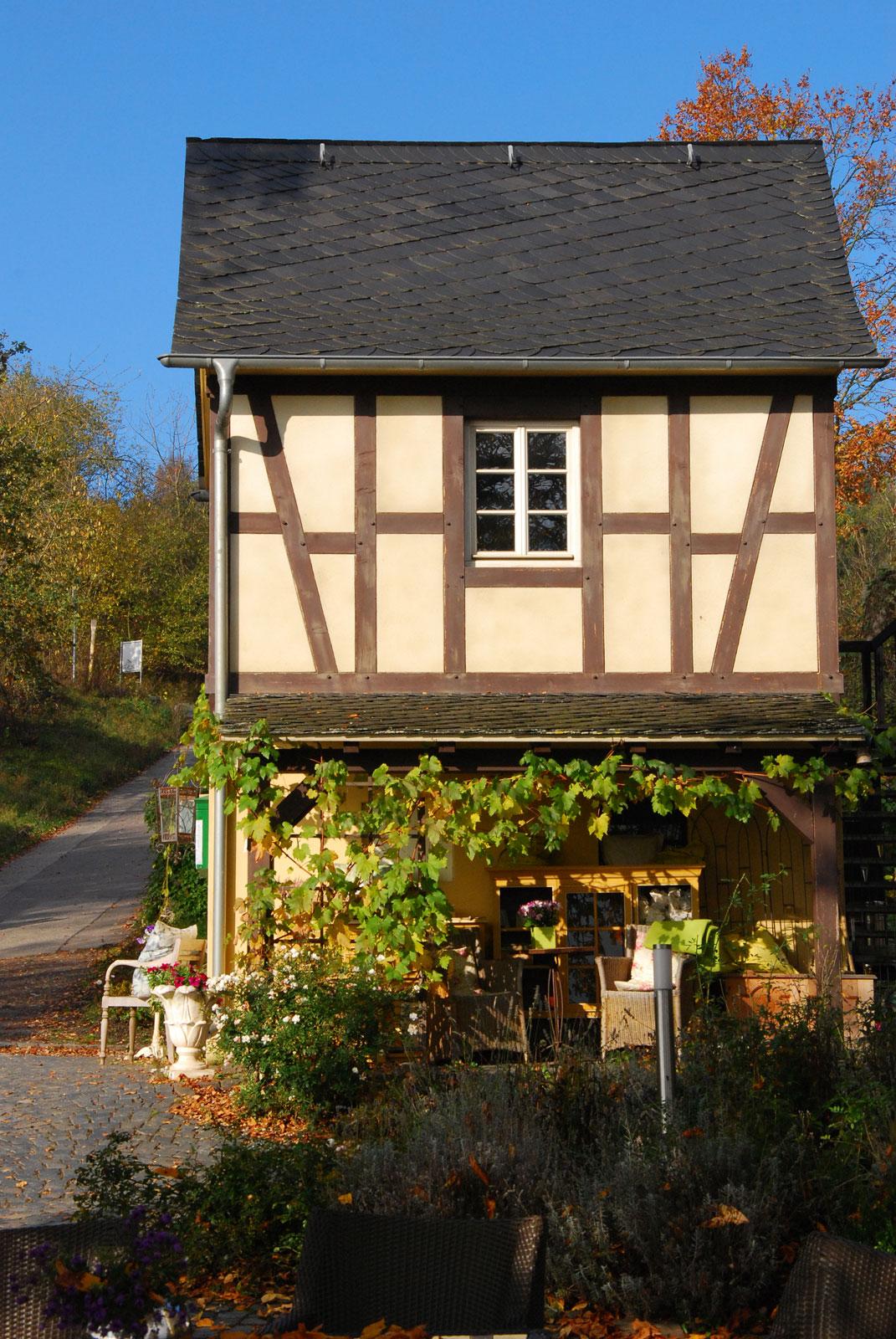 Das Günderodehaus - Wanderschnecken auf dem Rheinburgenweg