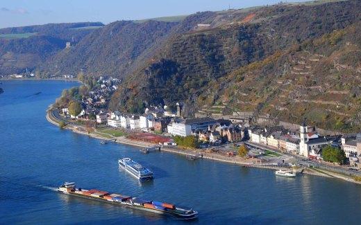 Blick auf den Rhein von Burg Rheinfels