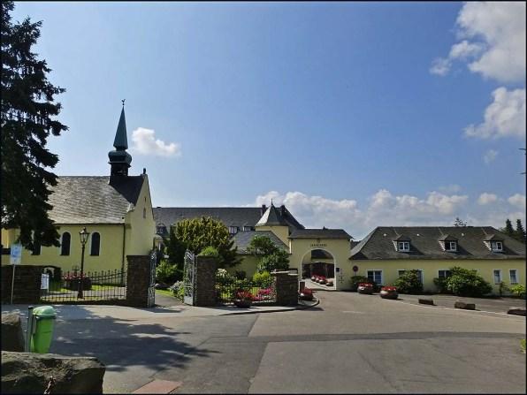 Golfhotel und früheres Kloster Jakobsberg