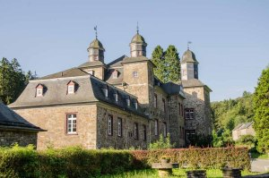 Die Bergischen Drei - Schloss Gimborn - Ruine Neuenberg und Ruine Eibach