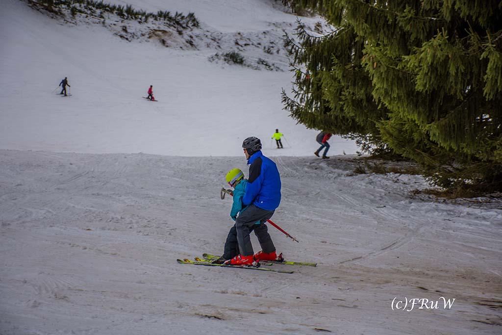 Wintersportanlage AM Raßberg - Schneewanderung in Arft