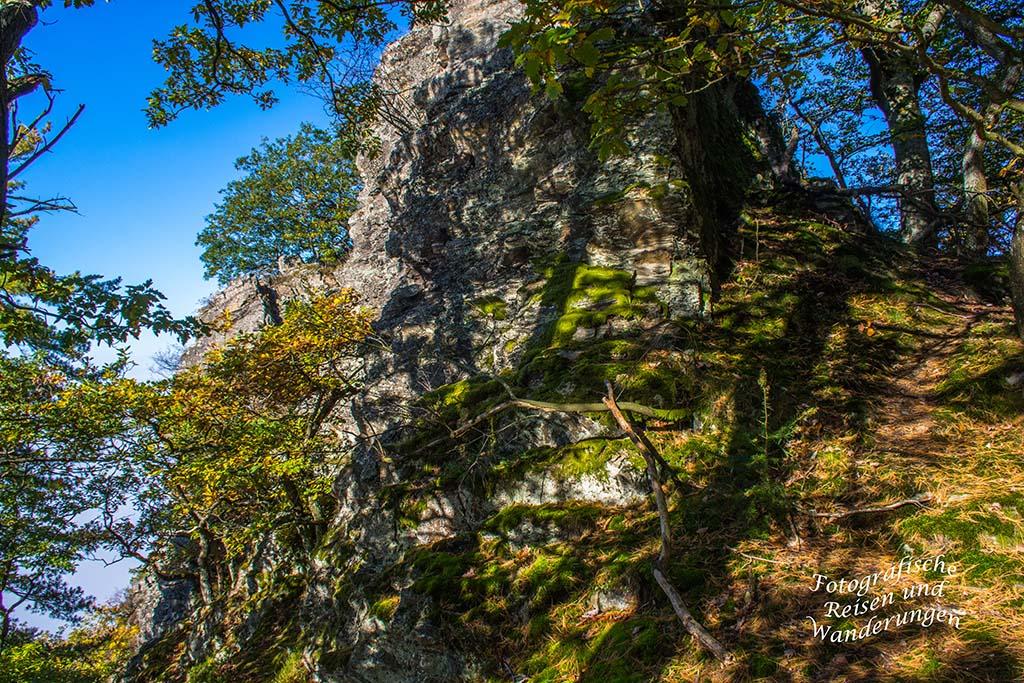 Dachslayer Felsen auf dem Mosel-Seitensprung Graf Georg Johannes Weg