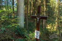 Kreuz des Hubert Lennartz, der während Forstarbeiten verunfallte und starb