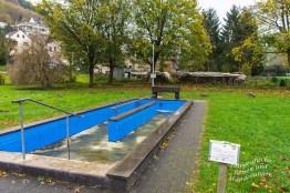 Wassertretbecken in Rieden, ohne Wasser. Ich wäre rein gegangen, dang sicher :O