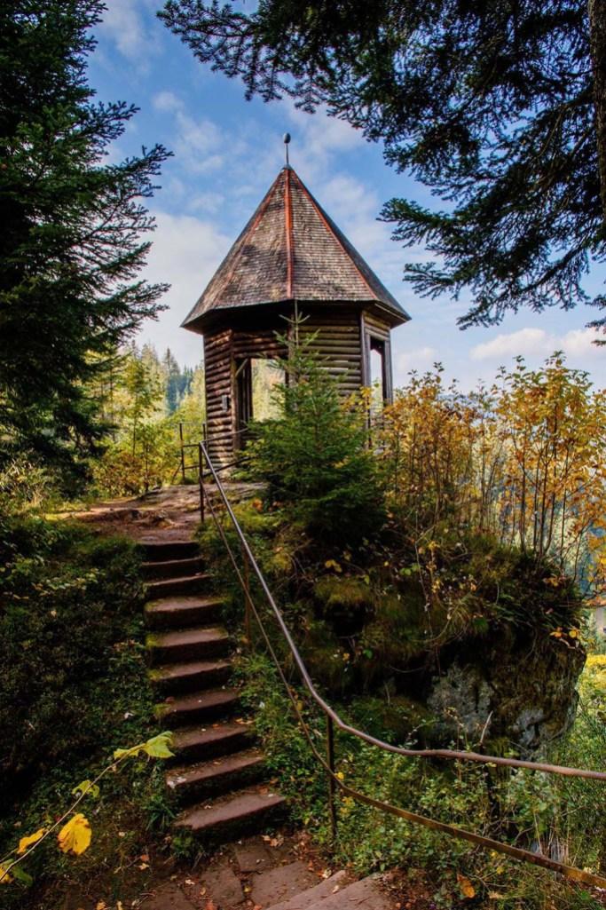 Aussichtspavillon auf dem Burgbach-Felsen - (c) Rainer Motte