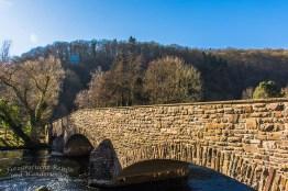 Wieder zurück an der schönen Steinbrücke über die Rur