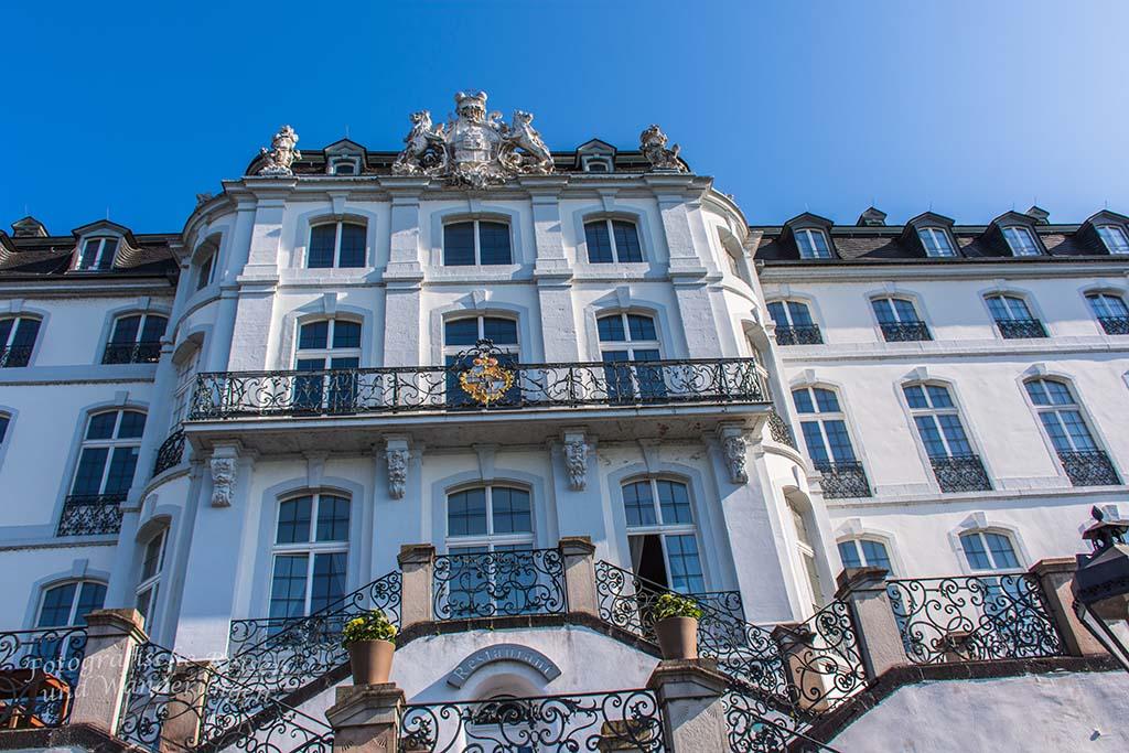 Schloss Engers Rheinfassade