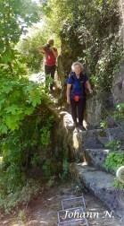 Verflixt schmale Wege auf dem Klettersteig am Mittelrhein in Boppard