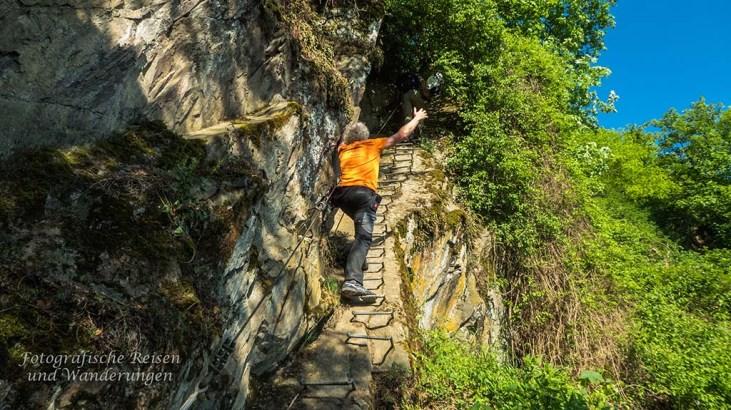 Ziemlich riskantes Gehangel am Bopparder Klettersteig