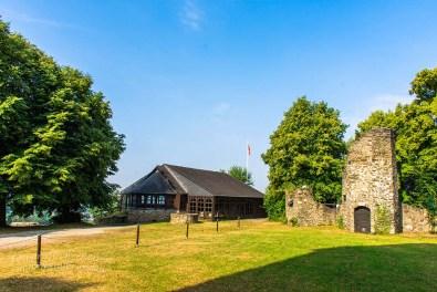 Schutzhaus über Grabungsstätte