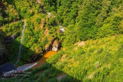 Hohes Venn_Wasserfall von Bayonne und Burg Reinhardstein (70)
