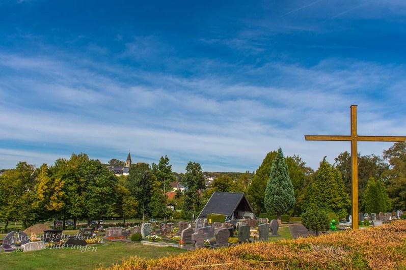 Blick über den Friedhof auf Seck