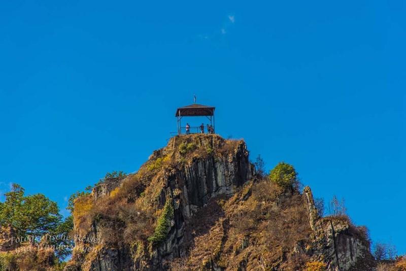 Aussichtsplattform auf der Burgruine Are