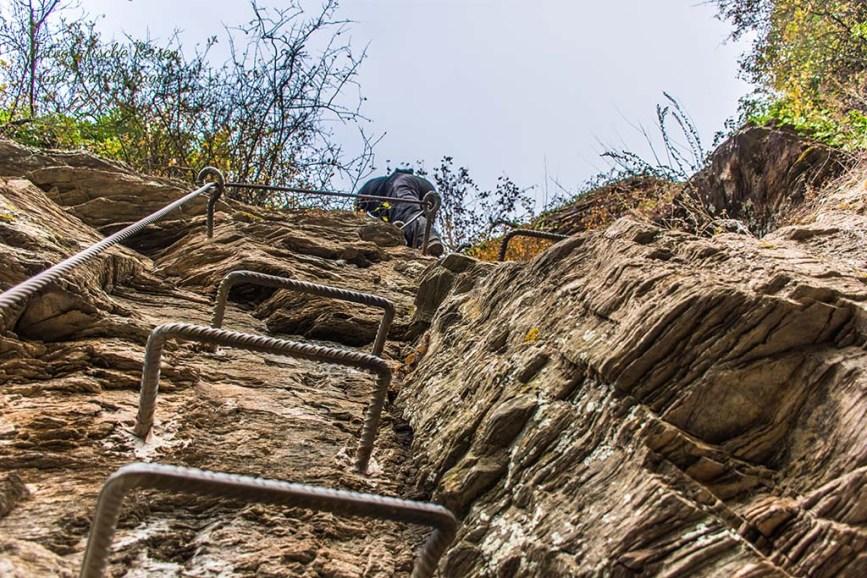 Ansicht die Steilwand hinauf