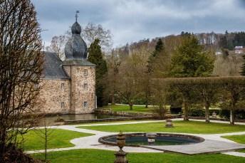 Es folgen einige Fotos des Wasserschlosses Ehreshoven.