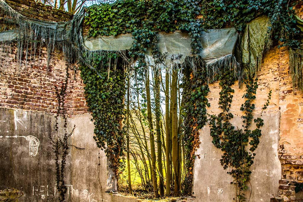 Innenansichten eines alten Gartenpavillon